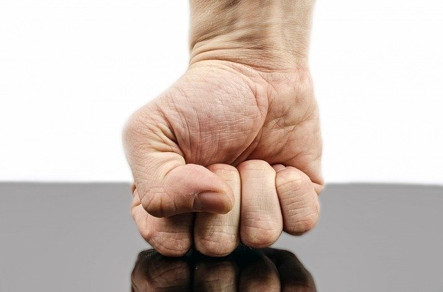 perbedaan marah dan marah-marah, artikel parenting ayunafamily.com
