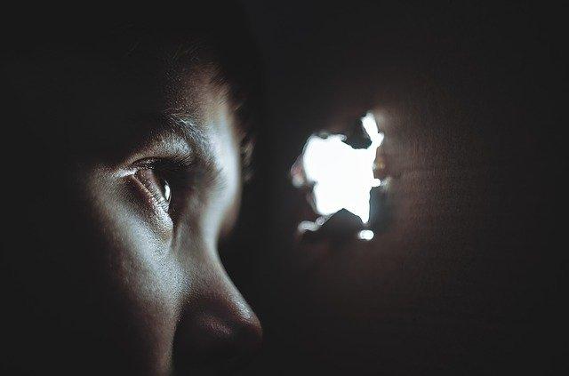 cara mengatasi rasa takut pada anak - ayunafamily.com