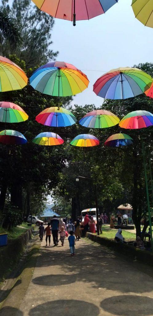 Jalan-jalan ke Telaga Pelangi Payang